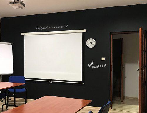 Tablica po hiszpańsku czyli farba do tablic w szkole językowej